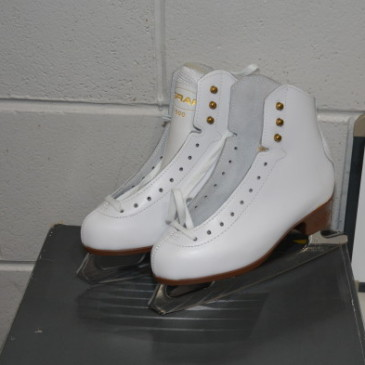 Ladies Skates 053